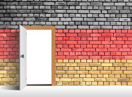 Die Regierung warnt Deutsche vor Reisen ins Ausland vor dem 31. August